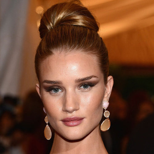 Rosie Huntington-Whiteley's Beauty Look at the 2012 Met Costume Institute Gala