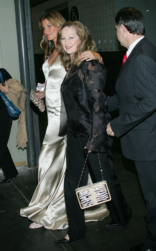 Gisele Bundchen arrived in NYC with her parents at the Taxi film premiere in October 2004.