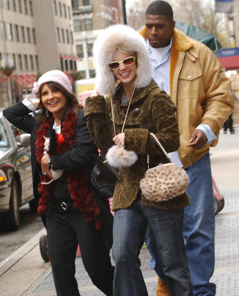 Britney Spears and her mother, Lynne, went shopping in NYC in December 2004.