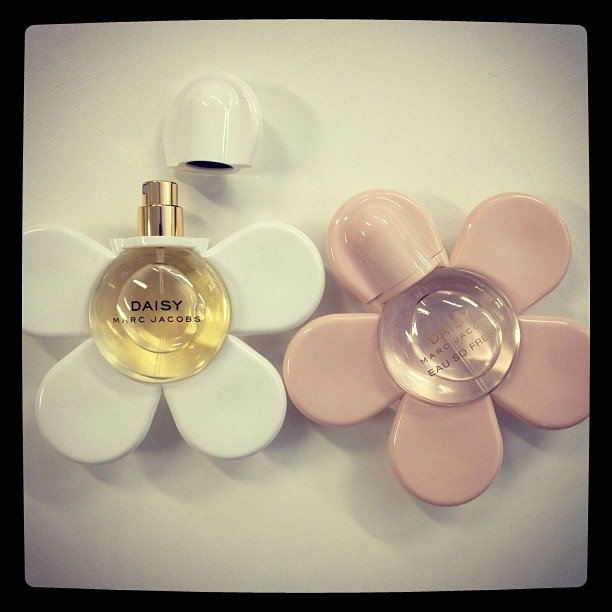 How adorable are these Marc Jacobs perfume bottles for Daisy and Daisy Eau So Fresh?