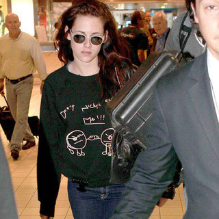 Kristen Stewart Arriving in Paris Pictures
