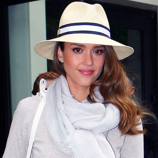 Transition Into Summer With Monochromatic Layering Like Jessica Alba