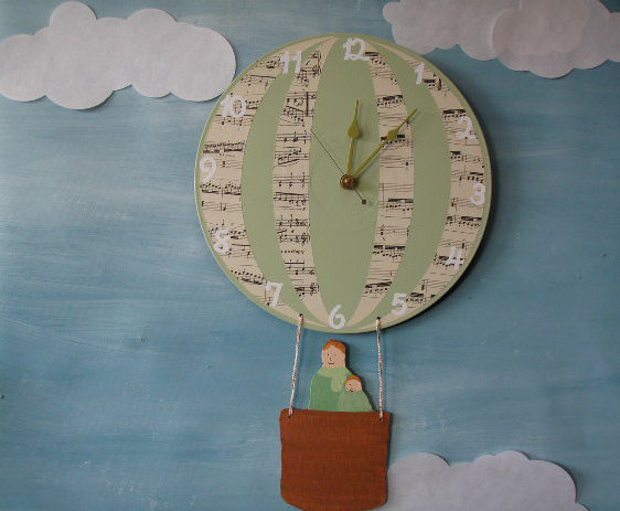 Laurels Art Hot Air Balloon Wall Clock ($40)