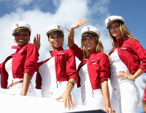 The Victoria's Secret Angels got together for a boating moment in Miami in October 2004.