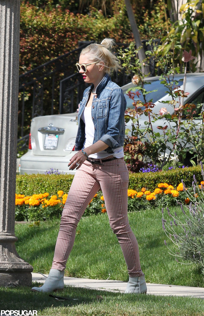 Gwen Stefani wore checkered pants.