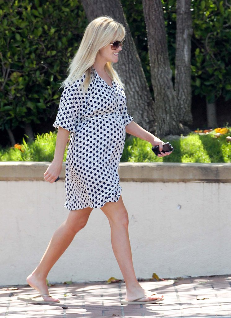 Pregnant Reese Witherspoon Puts on Polka Dots For a Smiley LA Day