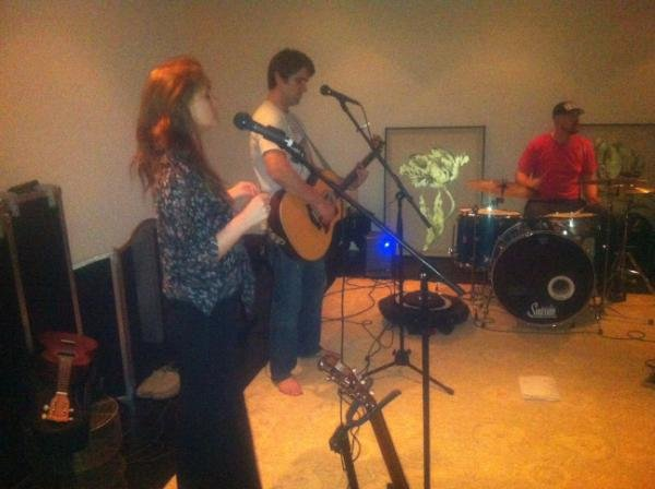 Leighton Meester rehearsed with her band.  Source: Twitter user itsmeleighton