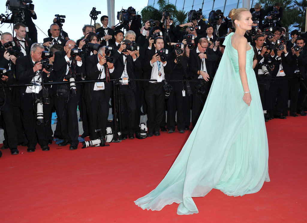 A sweeping shot of Diane's Giambattista Valli Couture gown. Although her train didn't rival Eva's tulle version, we love the diaphanous feel of her sheer train.