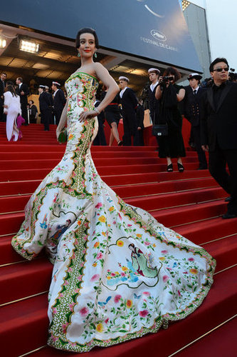 Talk about an entrance — the showstopping gown cascaded down the red-carpet steps.