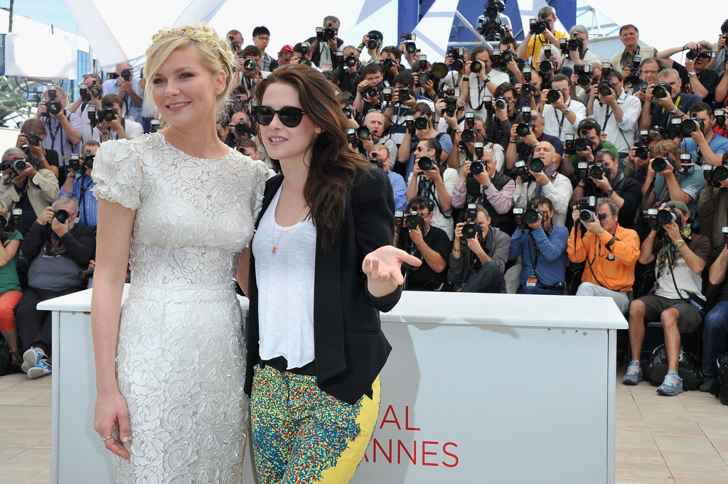 Kirsten Dunst and Kristen Stewart posed for a girls-only photo during the photo call for On the Road at Cannes on May 24.