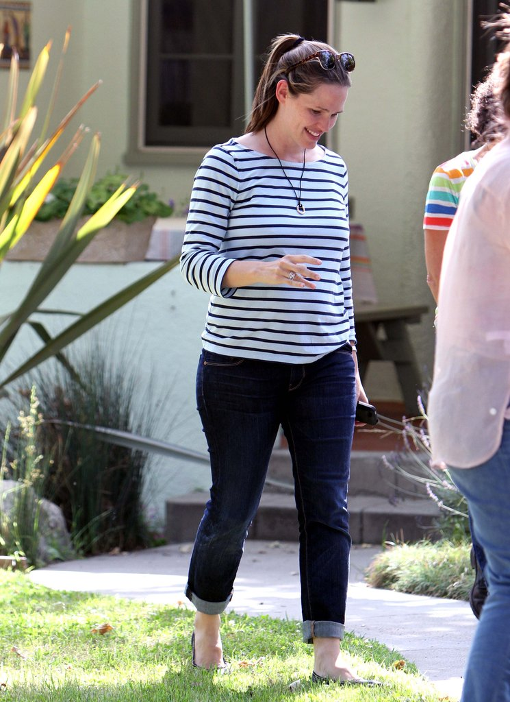 Jennifer Garner wore stripes.