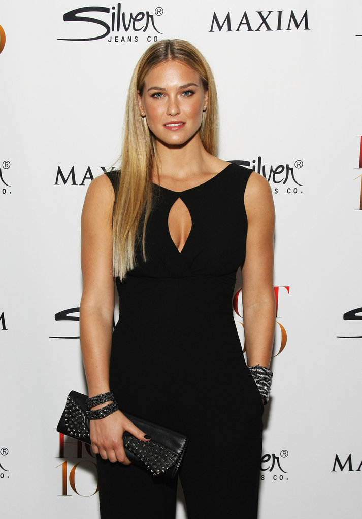 Bar Refaeli wore all black with a cutout at the neckline.