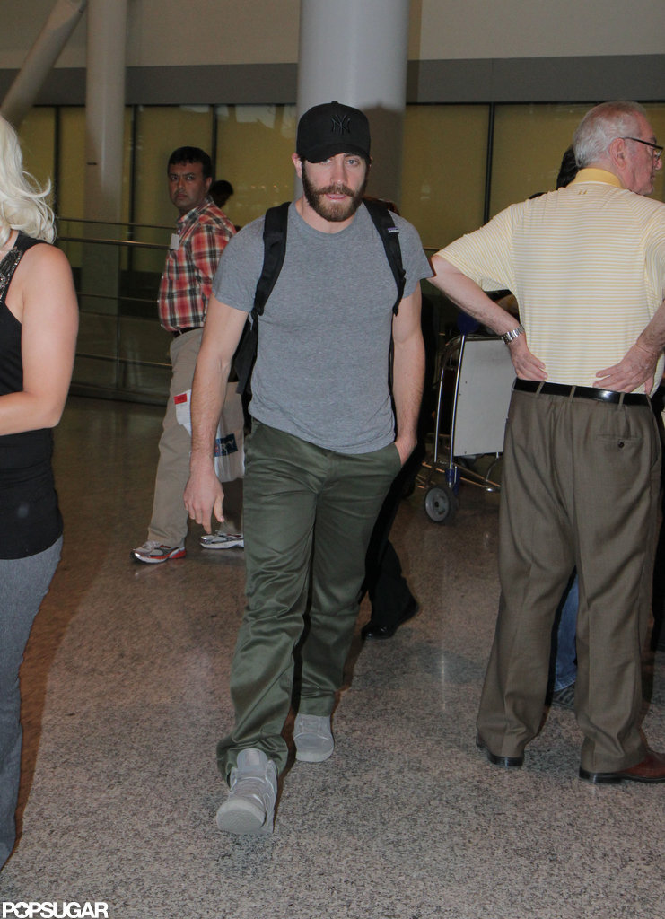 Jake Gyllenhaal arrived at the Toronto airport.