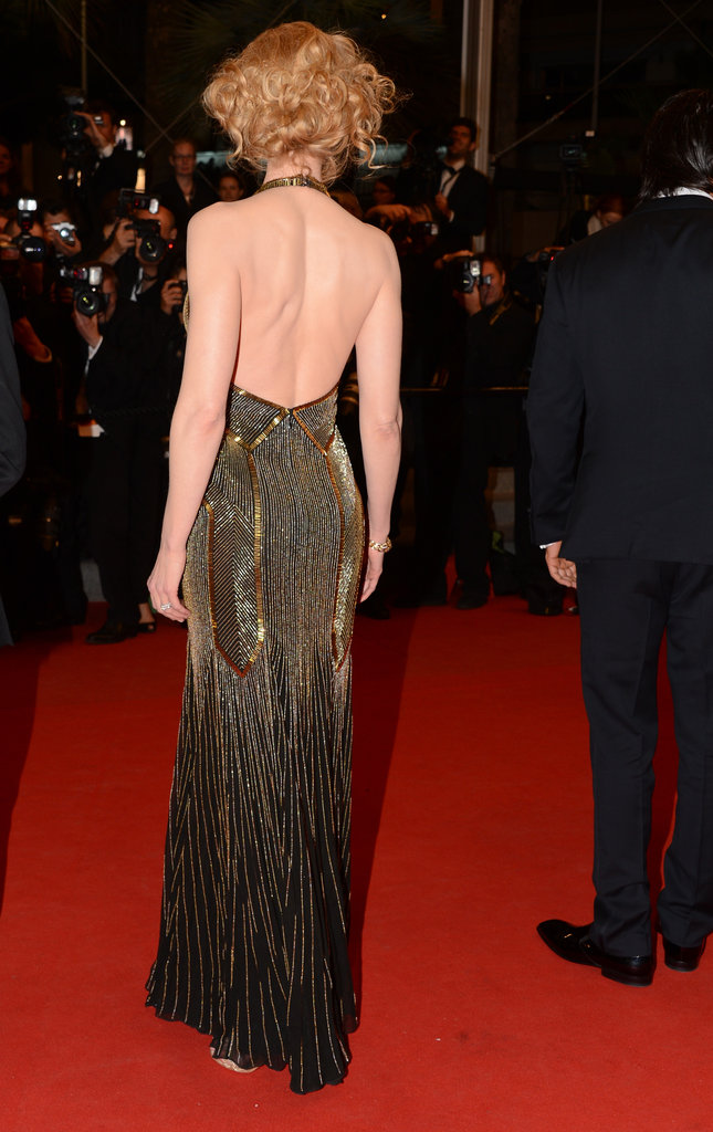 Nicole Kidman wore a formfitting, backless Ralph Lauren gown to the Hemingway & Gellhorn premiere.