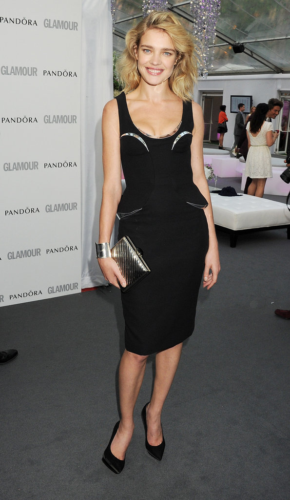 Natalia Vodianova wore a futuristic, peplum-infused Versace LBD with black pointy-toe pumps.