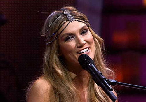 EXCLUSIVE: Get Delta Goodrem's Smouldery Eye From The Voice