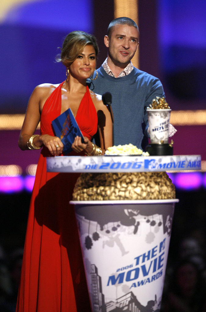 Eva Mendes looked glamorous in a red gown to present with Justin Timberlake during the 2006 awards.