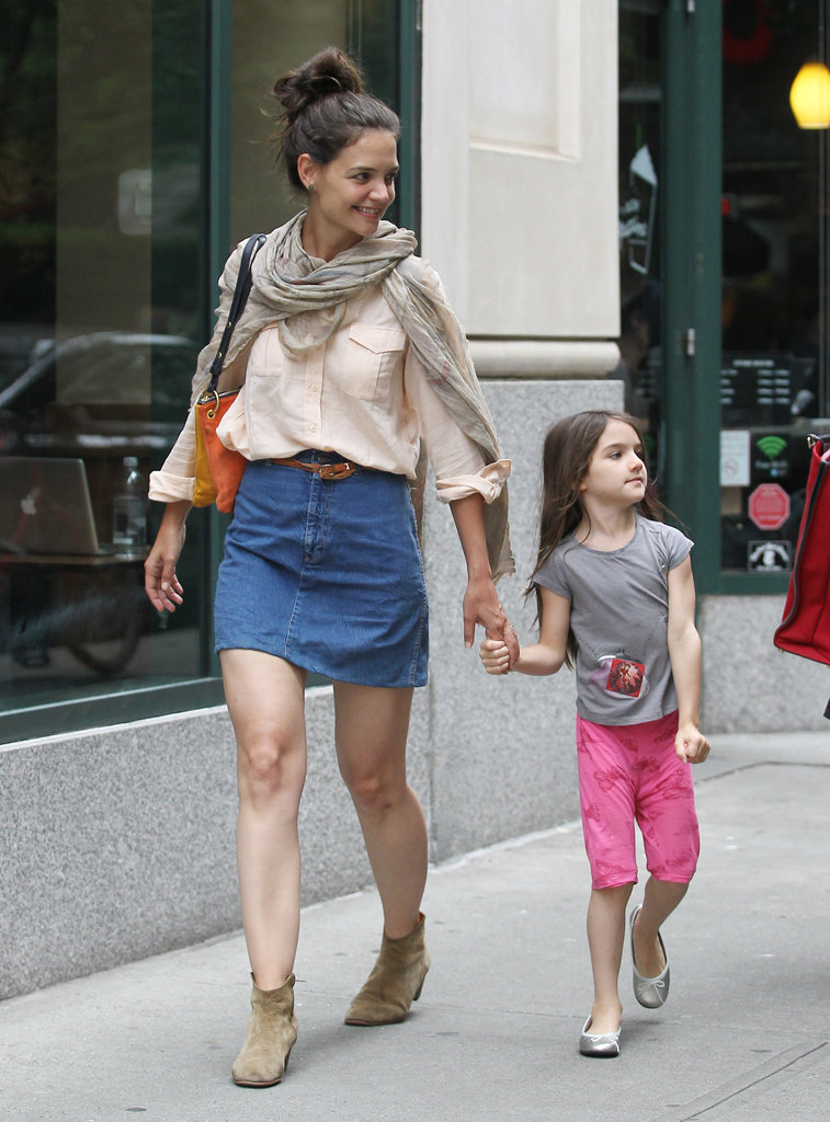 Katie Holmes and Suri Cruise checked out the sites while walking through NYC.