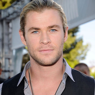Chris Hemsworth Pictures at the MTV Movie Awards 2012