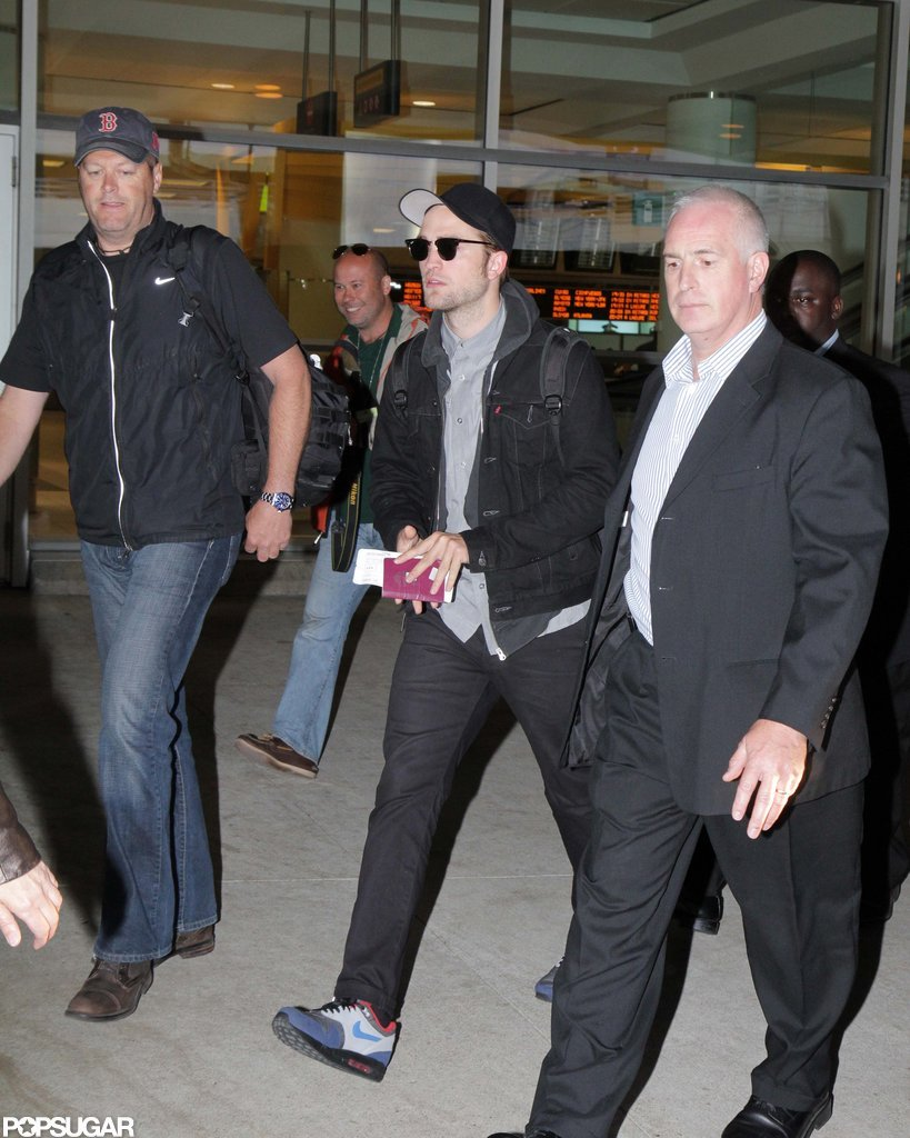 Robert Pattinson Touches Down in Toronto For Cosmopolis Instead of MTV