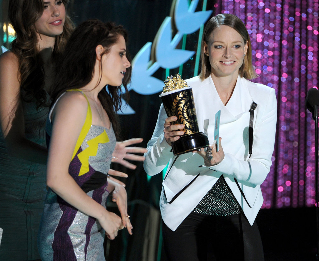 Jodie Foster presented an award to Kristen Stewart.