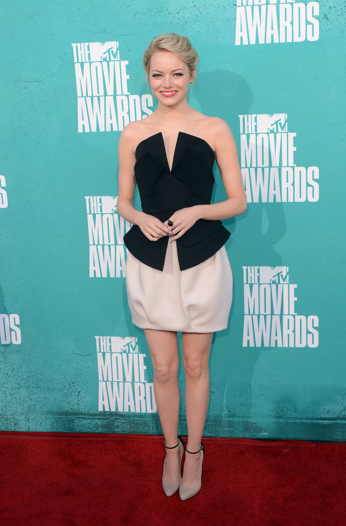 Emma Stone in black and white at the 2012 MTV Movie Awards.