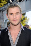 Chris Hemsworth looked handsome as ever on the red carpet.