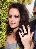 Kristen Stewart showed off her black rings at the MTV Movie Awards.