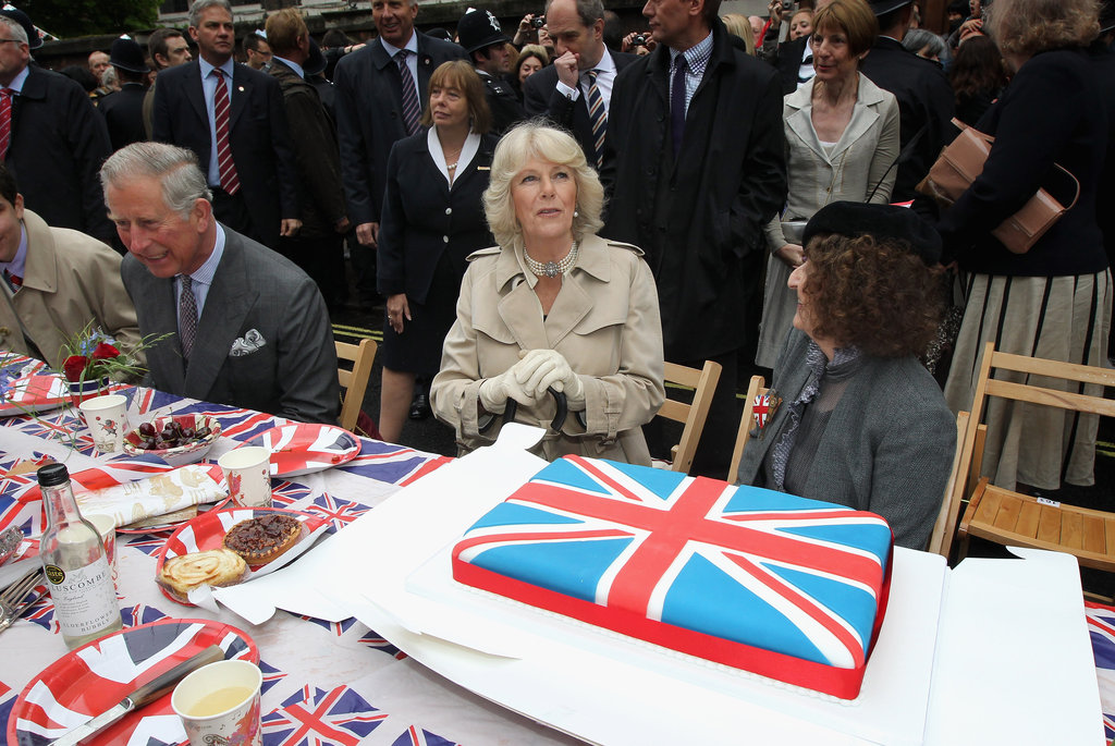 The pair admired a huge Union Jack cake at the Big Jubilee Lunch.