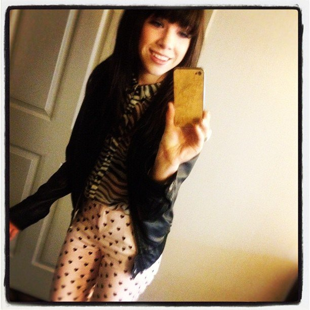 Carly Rae Jepsen took a photo of her polka-dotted pants before heading to a performance. Source: Instagram user carlyraejepsen