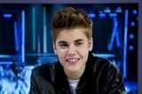 Justin Bieber smiled while on set at El Hormiguero.