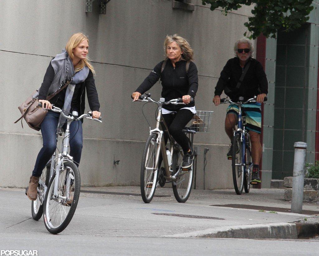 Erin Heatherton wore jeans and a big scarf while biking around NYC.