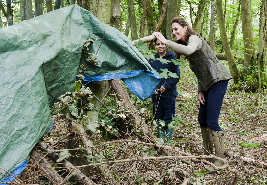 Kate Middleton helped pitch a tent with children from Expanding Horizons primary school outdoor camp.