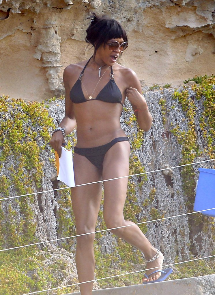 Naomi Campbell showed off her body in a bikini on the beach in Ibiza.