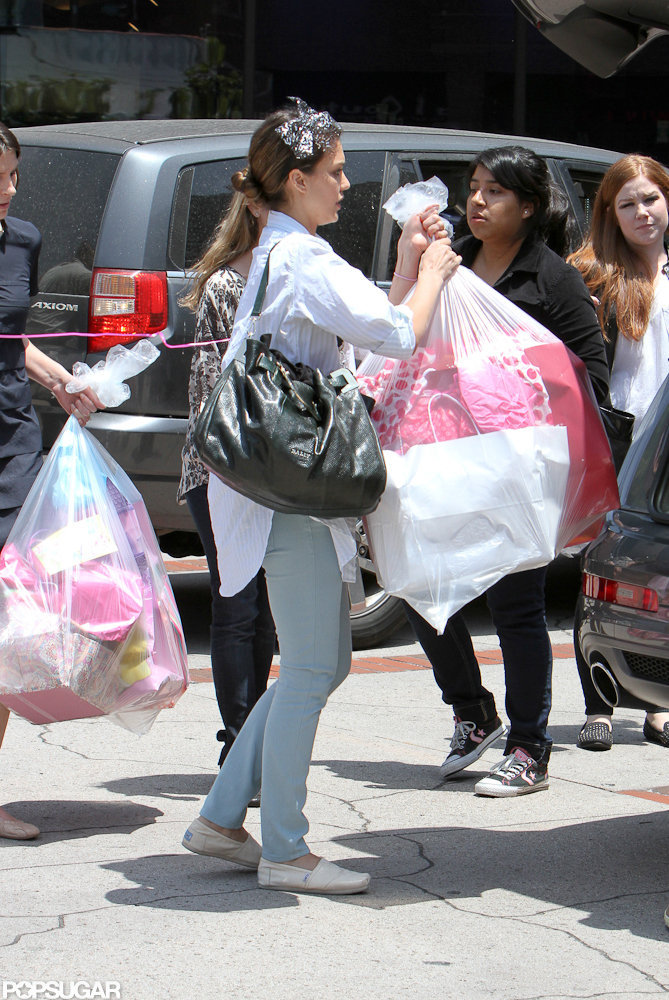Jessica Alba kept busy after Honor's birthday party.