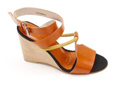 This wedge, complete with cool rope detailing, is begging us to head to the nearest beach café. Just add a breezy LWD to polish off this summery shoe. A Detacher Burke Wedge in Caramel ($315, originally $450)