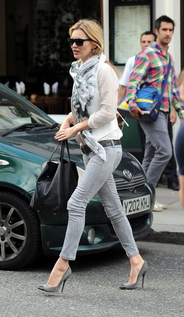 Kate Moss always stays true to her signature style, and we loved the grey hipster jeans and cap-toe pumps she wore to lunch in London. We're still taking notes Mossy...