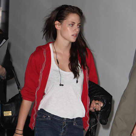 Kristen Stewart Pictures at Sydney Airport Before Snow White and the Huntsman Premiere