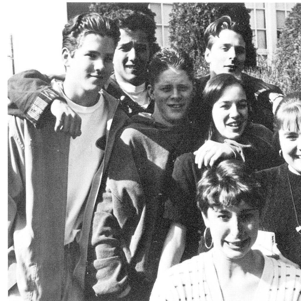 Ryan Reynolds, at left, showed off his '90s style in a candid with his high school friends.