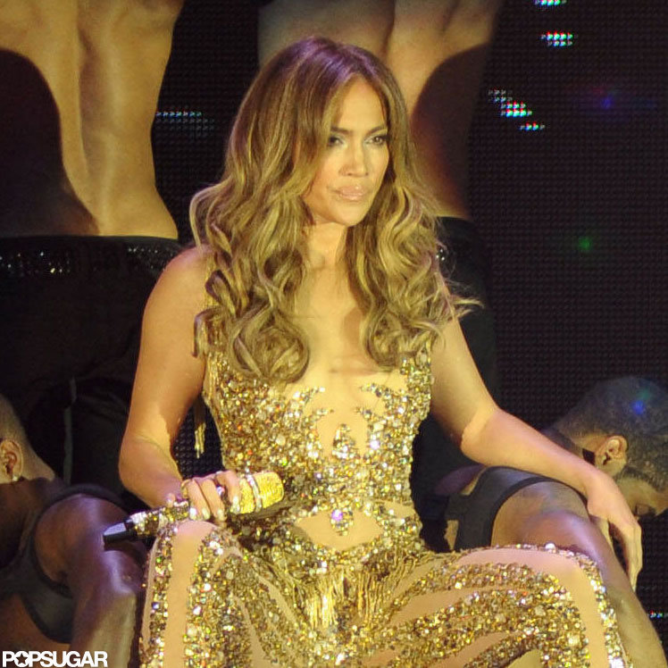 Jennifer Lopez sang one of her hits.