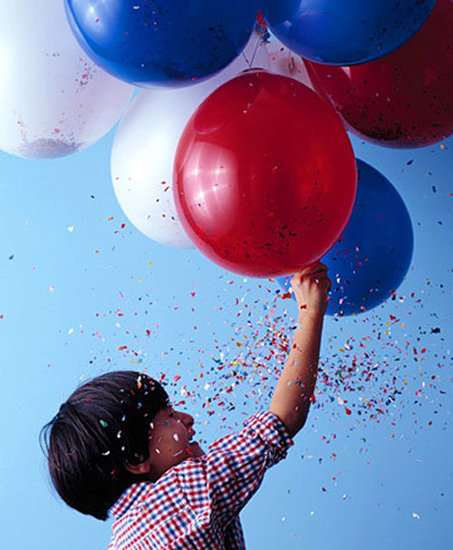 Воздушные  шары  с  сюрпризами  и  приколами  -  подарок  на  все  времена.  Часть  3