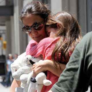 Katie Holmes With Suri During Divorce