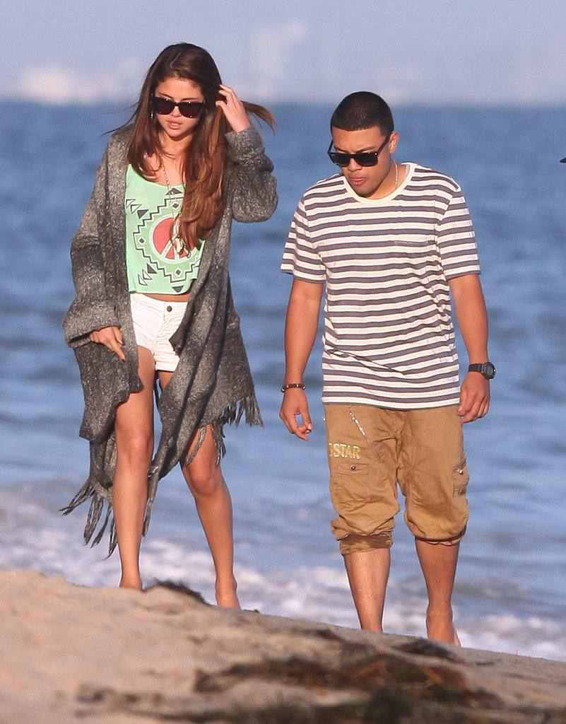 Selena Gomez and friends strolled along the beach in Malibu.