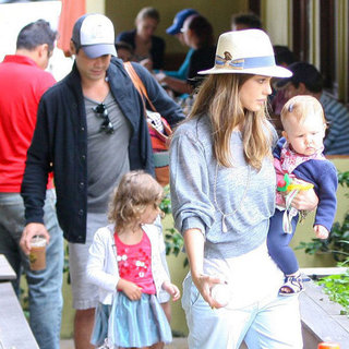 Jessica Alba and Family on Fourth of July in LA Pictures