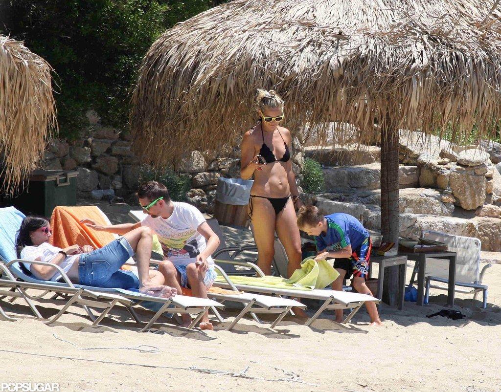 Bikini-Clad Kate Hudson Shows Off Bronzed Body in Tiny Two-Piece