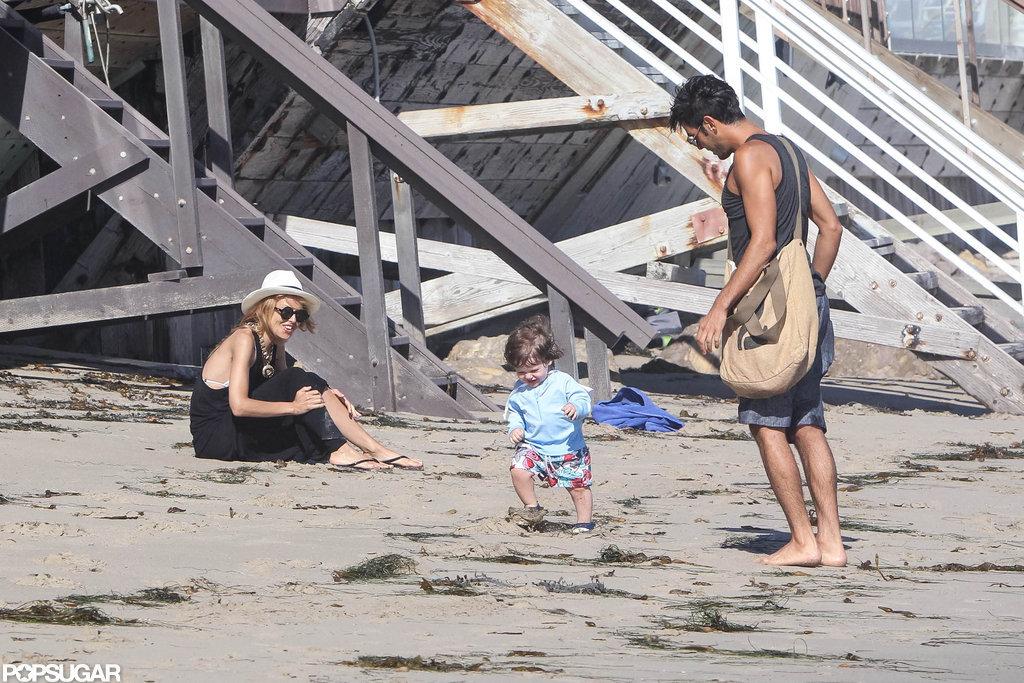 Rachel Zoe played with Skyler on the beach in Malibu.
