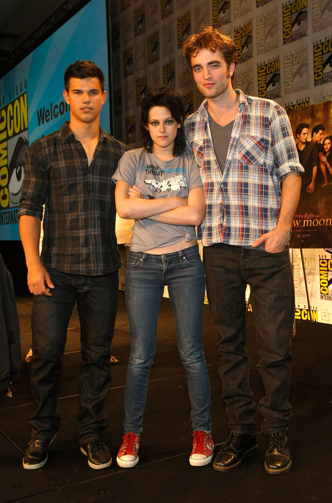 Kristen Stewart posed with her guys in 2009.
