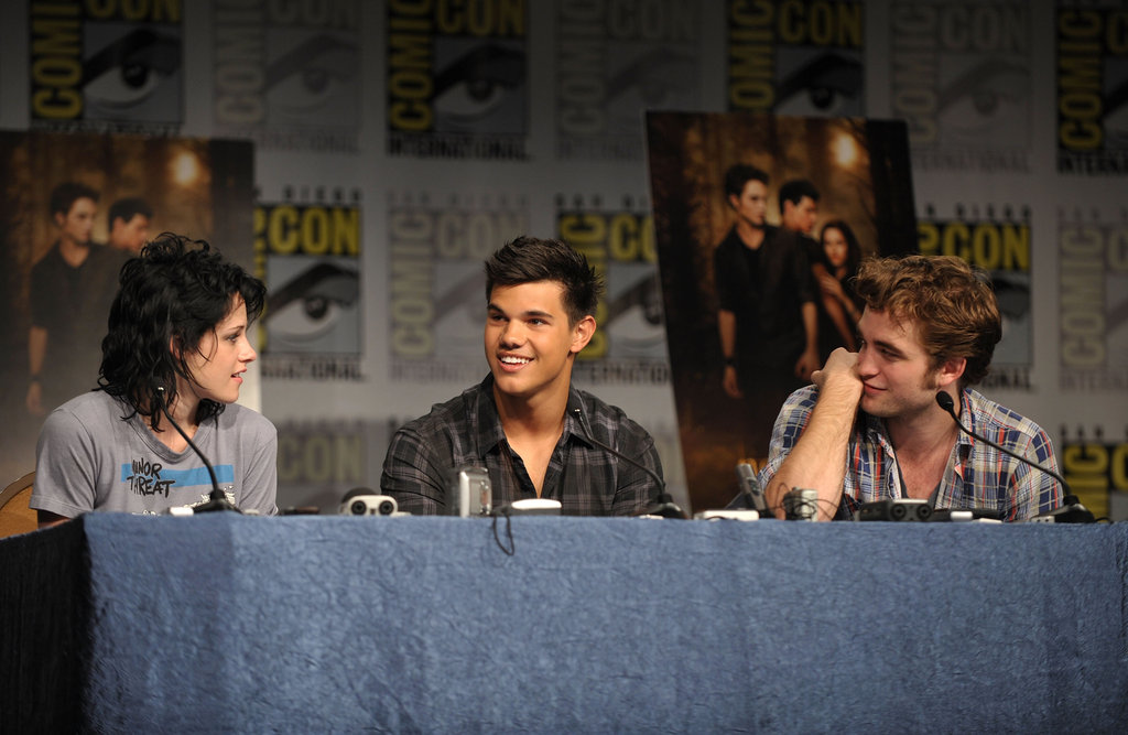 Kristen Stewart, Robert Pattinson, and Taylor Lautner spoke about New Moon in 2009.