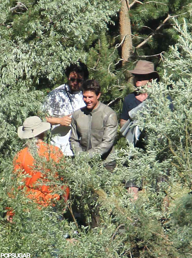 Tom Cruise looked happy on the Oblivion set in CA.