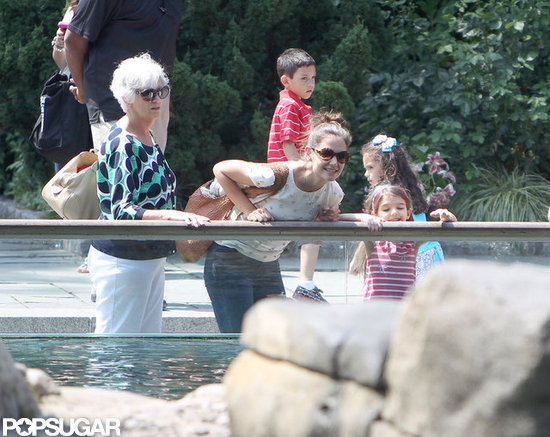 Suri Cruise, Katie Holmes, and Kathleen Holmes visited the zoo.